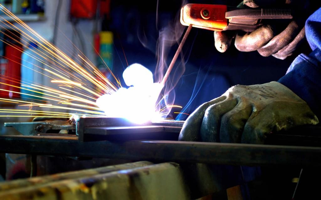 welding_welder.jpg_1366641268-1024x640